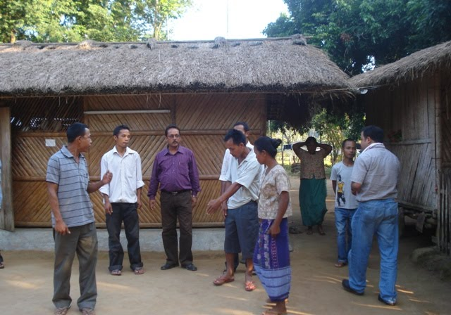 Farmers interacting with scientists at MARD project site.