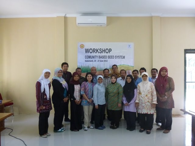 Participants of the seed production training