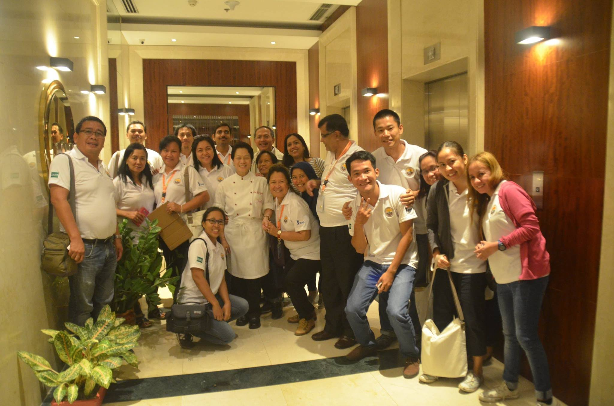 Participants posing with Chef Jessie Sincioco